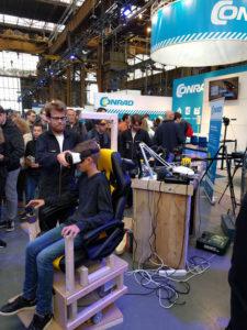 Klooidoos in het groot: Eigen gemaakte VR-stoel